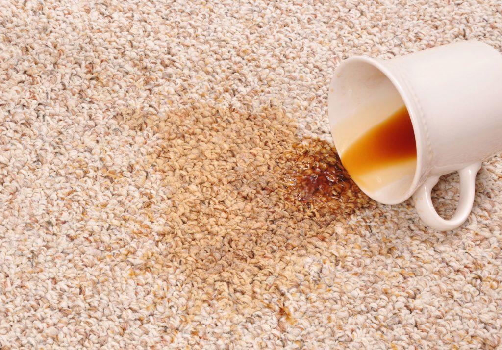 почистване на петна от килим